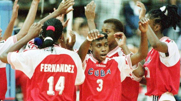 Cuba Volleyball Player News: Mireya Luis Rescues Cuba's