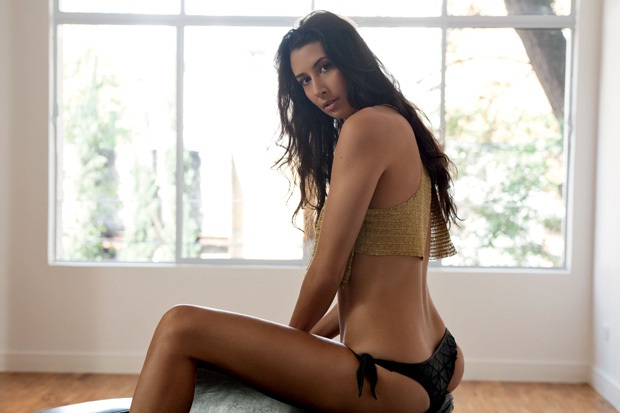 Hot sexy black girl models naked