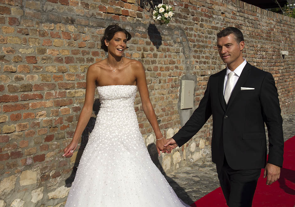 earlier today jovana has tied the knot with longtime boyfriend ...