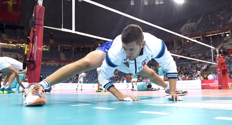 volleyball tip stretching