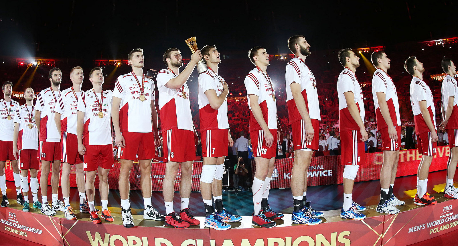 Poland team gold medal during the national anthem