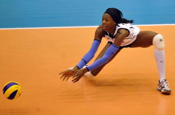 Women´s World Championships 2010 First Round in Matsumoto (JPN)  Germany (GER) vs. USA  Destinee Hooker (#19 USA) *** Local Caption ***